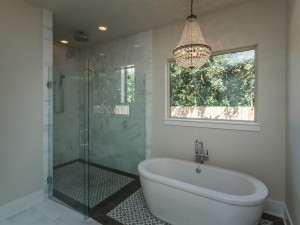011 Master Bathroom (2)